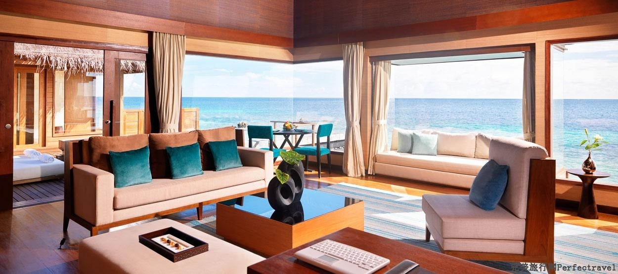 jumeirah-dhevanafushi-ocean-revives-living-room-hero.jpg