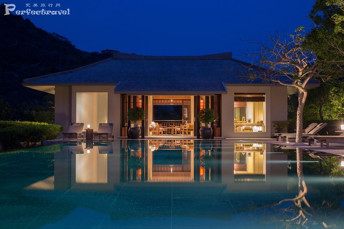 landscape-amanoi-villa-pool-at-night.jpg