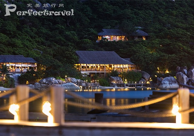 640x450_resort_view_from_jetty.jpg